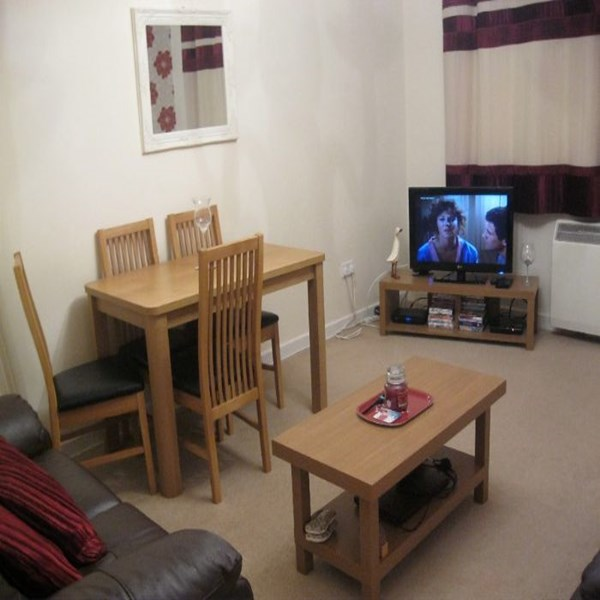 Rent my 4 bed Flat, South Glasgow, Scotland during Commonwealth Games