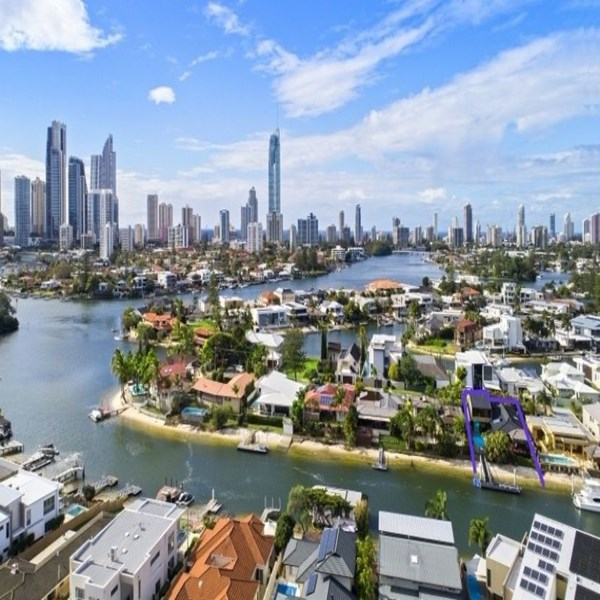 Rent my 5 bed House, Central Isle Of Capri Surfers Paradise , Australia during Gold Coast 2018 Commonwealth Games