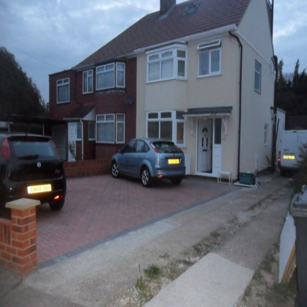Rent my 4 bed House, West Middlesex, United kingdom during 2015 Rugby World Cup